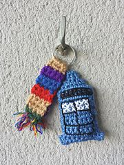 Free Crochet pattern of DR WHO crochet scarf and key chain