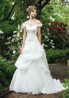2012 Organza Off-the-shoulder Wedding Dress
