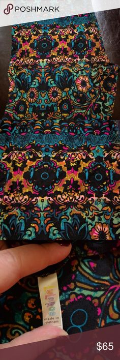 NWOT TC LuLaRoe floral/paisley leggings - Unicorn! New without tags beautiful LuLaRoe leggings! Hard to find unicorn print!! Tall and curvy size (fits sizes 12-22), unworn and unwashed. Smoke free home and no contact with pets. Look great with black, teal, bright pink, bright blue, and mustard. For sale only, no trades. LuLaRoe Pants Leggings