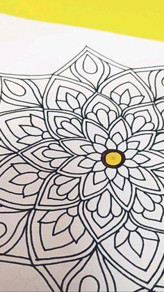 Easy Mandala Drawing, Mandala Art Lesson, Name Design Art, Doodle Art Letters, Doodle Art Designs, Mandala Tattoo Design, Mandala Coloring Pages, Art Drawings Sketches Simple, Diy Canvas Art