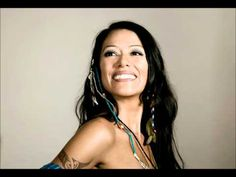 "▶ Lila Downs- La Cumbia Del Mole ""Original"" - YouTube"