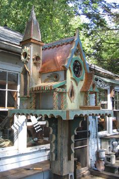 Victorian Bird House Ideas http://socialaffiliate.wix.com/bird-houses http://buildbirdhouses.blogspot.ca/