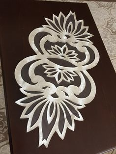 Details about Table Linens Vineyard design Runner Jute Crafts, Diy And Crafts, Arts And Crafts, Lace Making, Table Toppers, Crochet Stitches, Embroidery Designs, Stencils, Mosaic