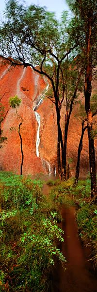 DESERT STREAMS, ULURU, NORTHERN TERRITORY. AUSTRALIA