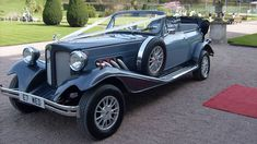 A beautiful 1930's 'style' tourer presented in two tone Light Blue & Grey with a Light Grey Leather interior. Modelled after the famous Duisenberg of the 1930's era this very popular convertible combines modern safety standards with vintage styling.