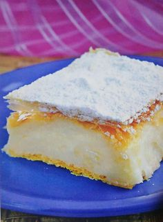 Cremsnit cu crema de vanilie Cheesecake, Food And Drink, Drinks, Desserts, Drinking, Tailgate Desserts, Beverages, Deserts, Cheesecakes