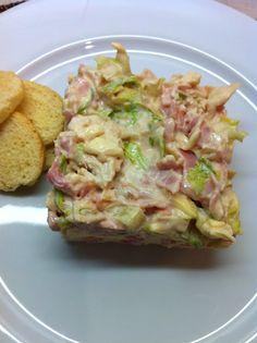 Cocina de nuestro tiempo...: Ensalada de Pollo Pollo hervido lechuga jamon salsa rosa...