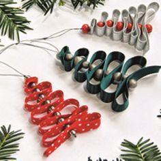 Décoration de Noël : fabriquer un mini sapin en ruban - La Belle Adresse