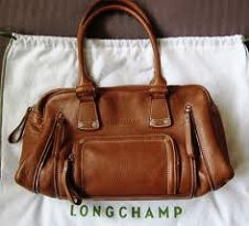 Longchamp sale Kick off the holiday season with a little sparkle and a discount. Today only, enjoy off these womens Classics as part of Giving. Tokyo Fashion, New York Fashion, London Fashion, Cute Preppy Outfits, Formal Outfits, Usa Shoes, Africa Fashion, Designer Purses, Designer Handbags