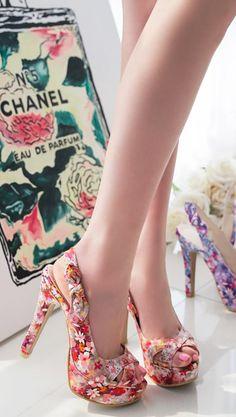 Luxe Asian Women Shoes Asian Size Clothing Luxury Asian Woman Fashion Style Shoes Korean Drama Kpop Star Fashion Style Clothing