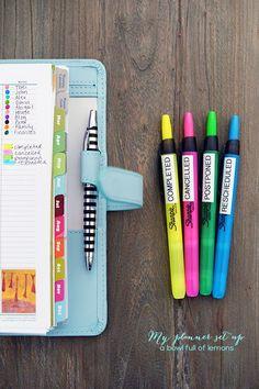 Gute Idee, die Stifte nach ihrer Funktion oder Markierung zu betiteln und bekleben.