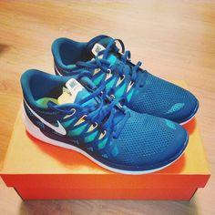 I have these, and I love them sooooooooooo much! Cheap Sneakers, Nike Shoes Cheap, Nike Free Shoes, Running Shoes Nike, Sneakers Nike, Cheap Nike, Adidas Shoes Outlet, Nike Shoes Outlet, Nike Free Runs For Women