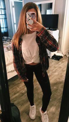 Flannel leggings and white t-shirt White Girl Outfits, Girls Fall Outfits, Teenager Outfits, Teen Fashion Outfits, Outfits For Teens, School Outfits, Winter Outfits, Popular Outfits, Summer Outfits
