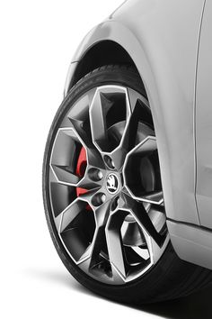 JE MANGE UNE POMME Nice #Rims. Protect them with #WheelBands. Only at #Rvinyl.