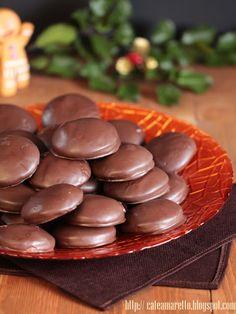 Pierniczki z nadzieniem śliwkowym w polewie czekoladowej @cafeamaretto