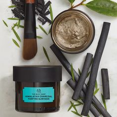 Buy charcoal mask with Himalayan charcoal clay from The Body Shop. Infused with green tea leaves and tea tree oil, The Body Shop charcoal face mask is vegan. The Body Shop, Body Shop At Home, Charcoal Mask Benefits, Charcoal Mask Peel, Bamboo Charcoal Mask, Honey Face Mask, Diy Face Mask, Diy Mask, Organic Tea Tree Oil