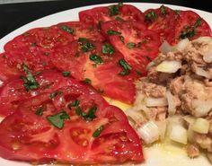 #tomate #bonito #cebolla dulce #aove y #sal maldon    ...