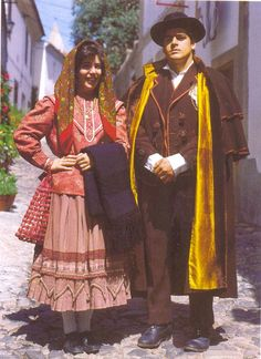 Traje de festa, Alentejo Folk Costume, Costumes, Mein Land, Sea Activities, Portugal Holidays, Folk Clothing, Visit Portugal, Long Stories, Western World