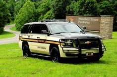 My Uncle was a Tennessee State Trooper 🇺🇸 Police Truck, Police Patrol, Police Cars, Military Police, State Police, Police Officer, Army, Police Vehicles, Emergency Vehicles