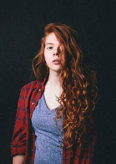 Cheveux Longs Bouclés Rouges Naturels