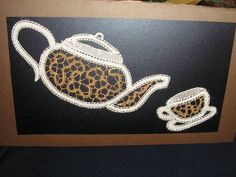 cioccolata Bobbin Lacemaking, Bobbin Lace Patterns, Point Lace, Lace Making, Crochet, How To Make, Tea Pots, Knots, Bobbin Lace