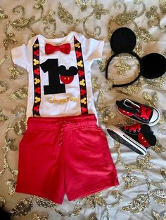 Mickey mouse birthday outfit for boys. The set can be made in any color to match your party colors. Please leave a note at checkout with agecand name you need in the shirt. Thank you