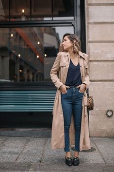 Fall Fashion I finally found the perfect beige trench coat - Le Dressing Idéal- Trench Coat Outfit, Beige Trench Coat, Trench Coat Style, Trench Jacket, Tweed Jacket, Coat Dress, Beige Outfit, Mode Outfits, Casual Outfits