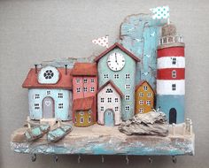 Woodworking Business Get Beach Crafts, Home Crafts, Diy And Crafts, Driftwood Projects, Driftwood Art, Clay Houses, Miniature Houses, Wood Houses, Wooden Art
