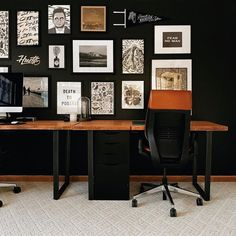 black wall in home office with gallery frames Rustic Gallery Wall, Gallery Wall Bedroom, Modern Gallery Wall, Gallery Frames, Gallery Walls, Stair Gallery, Black Walls, Wall Collage, Artsy Fartsy
