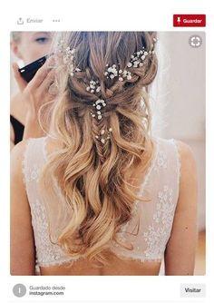 Semirecogido con trenzas y flores #hairstylesrecogido #peinadosartisticos