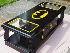 Batman coffee table for a comic/superhero themed game room. Would love it more if it was Spiderman. Batman Room, Im Batman, Batman Stuff, Super Batman, Batman Nursery, Batman Man Cave, Batman Chair, Batman Meme, Batman Superhero