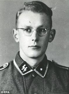 Oskar groning SS officer nazi guard in Auschwitz found out guilt in 2016  at the age 93