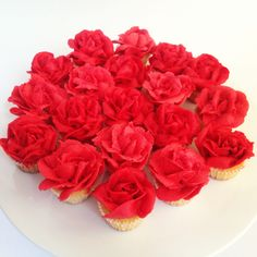 Mini cupcake roses by Missnattiescupcakes.co.uk Anniversary Parties, Wedding Anniversary, Cakepops, Mini Cupcakes, Raspberry, Roses, Fruit, Party, Flowers
