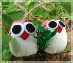 Free shipping couple of owls  red and dark red colors by thujashop, $13.00