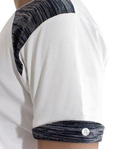 Folded sleeves tee, detail.