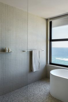 CJH Studio's Gold Coast penthouse is a dreamy beachside escape that proves beautiful design isn't made exclusively with massive budgets and exy materials. Apartment Interior, Bathroom Interior, Modern Bathroom, Apartment Entrance, Colorful Bathroom, Dyi Bathroom, Master Bathroom, Bad Inspiration, Bathroom Inspiration