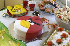 We planned angry birds birthday partys for my six year old son. Angry Birds, Cake, Birthday, Party, Desserts, Food, Design, Tailgate Desserts, Birthdays