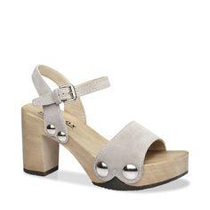 Mit EILYN komplettieren Sie im Sommer 2016 Ihren Signature-Look. Denn diese Sandale mit Block-Heel und auffallenden Schmuck-Nieten verleiht jedem Outfit den angesagten Pure-70ies-Schliff. Kombiniert zur weiten Marlene-Hose oder zum wallenden Maxidress ? EILYN ist der passende Schuh dazu. #münchen #softclox #sommer #shoes #frühjahr #kaschmir #grey
