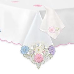 Jasmine Tablecloth & Napkin - BedBathandBeyond.com