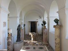Villa San Michele in Capri, the things that make a home. Villa San Michele a Capri, la casa e le cose. www.italianways.com/villa-san-michele-the-things-that-make-a-home/