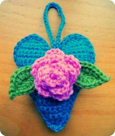 Scented heart hanger made by Nanita. Using the leaves and flower pattern by Attic24 and the Heart pattern by BeaG.