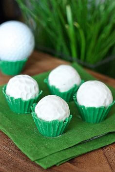 Pin for Later: 20+ DIY Father's Day Gifts Your Dad Will Absolutely Love Golf Ball Cake Truffles For the golf-lover, there are these delicious cake truffles.