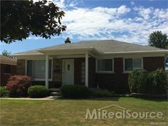 Home for Sale in St Clair Shores (50027)