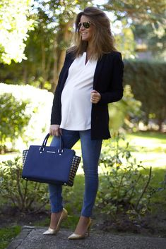 Fashion and Style Blog / Blog de Moda . Post: Blusa Oh My Looks / Oh My Looks Blouse ( Pedidos / Orders : info@ohmylooks.com ) .More pictures on/ Más fotos en : http://www.ohmylooks.com .Llevo/I wear: Blouse / Blusón : Oh My Looks Colección Sweet Winter ; Jeans : H&M premamá ; Jacket / Chaqueta : H&M ; Bag / Bolso : Michael Kors ; Shoes / Zapatos : Pilar Burgos