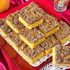 Dessa saffransrutor har en rykande åtgång. Riktiga godbitar! Christmas Sweets, Christmas Baking, Xmas, Christmas Ideas, Bagan, Good Food, Yummy Food, Cake Bites, Pan Dulce