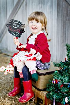 Christmas Card Photo Props - chalkboard  PRINTABLE  SIGNS photo prop by Itsy Belle. $5.50, via Etsy.