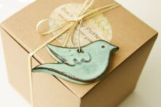 A sweet decoration for your wedding or home. Use as a pretty gift tag. This bird is handmade from dark red ceramic clay and glazed in a Ceramic Clay, Stoneware Clay, Ceramic Pottery, Different Christmas Trees, Bird Ornaments, Christmas Ornaments, Paperclay, Freundlich, Clay Creations
