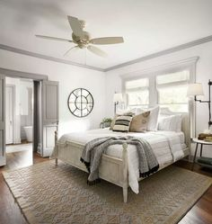 White walls, white wall bedroom, home bedroom, master bedrooms White Wall Bedroom, Home Bedroom, White Walls, Bedroom Decor, Bedroom Ideas, Light Master Bedroom, Master Suite, White Bedrooms, Bedroom Photos