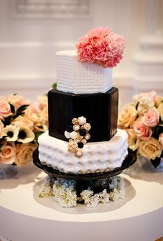 if kate spade made a wedding cake, i think it would look like this lol
