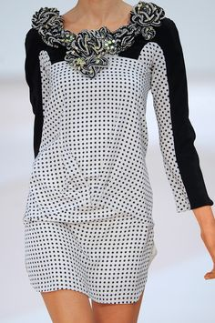 Valentino Spring 2009 Ready-to-Wear collection by Alessandra Facchinettia
